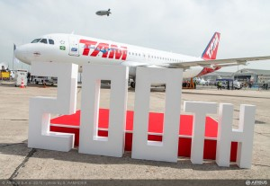 A320_LATAM_200th_delivery_ceremony_1[1]